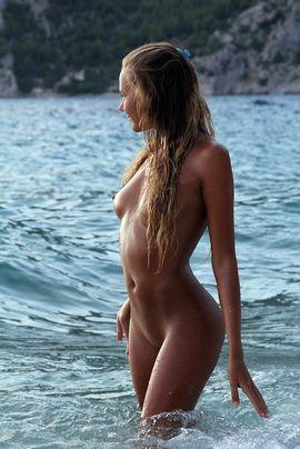 Chicas jovenes desnudas.