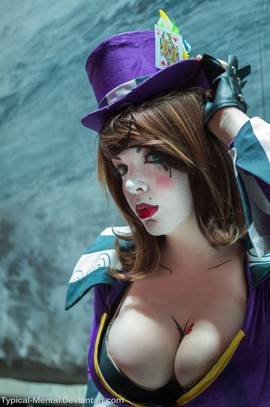 Borderlands busty cosplay.