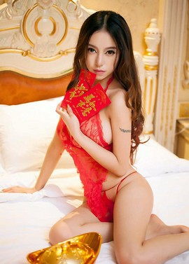 A new month's Top Models Of The Month chart for this May 2014. Three Asian babes have..