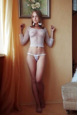 sexiest nude italian women